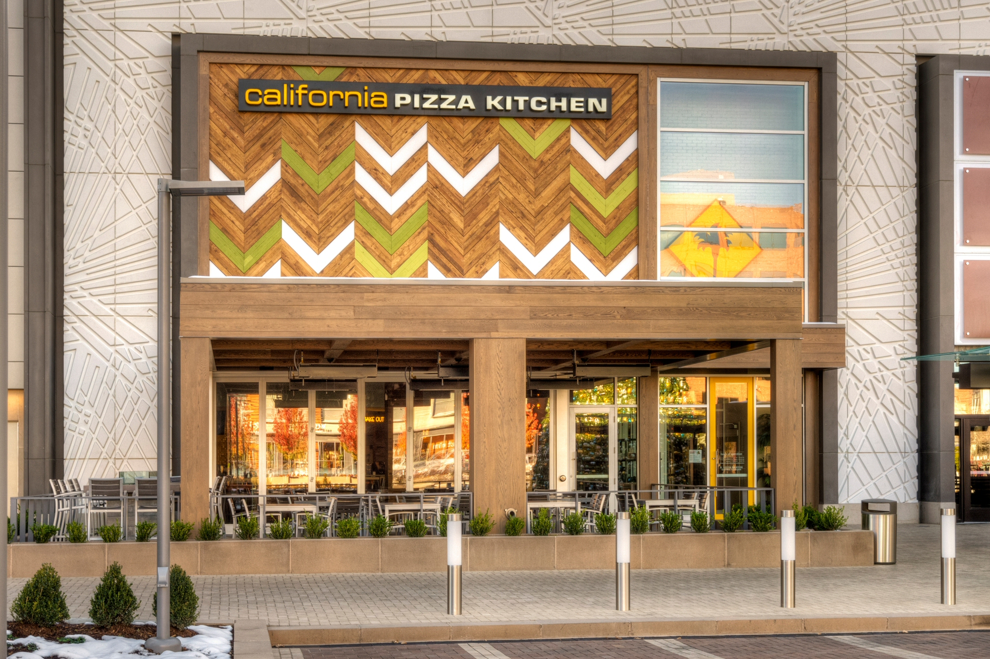 California Pizza Kitchen In Garden State Plaza Mall Nj